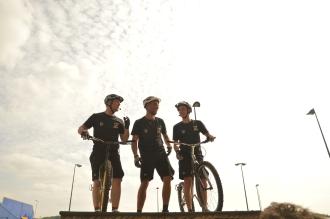 Les 3 riders ETS lors du Show à Go sport / 2013